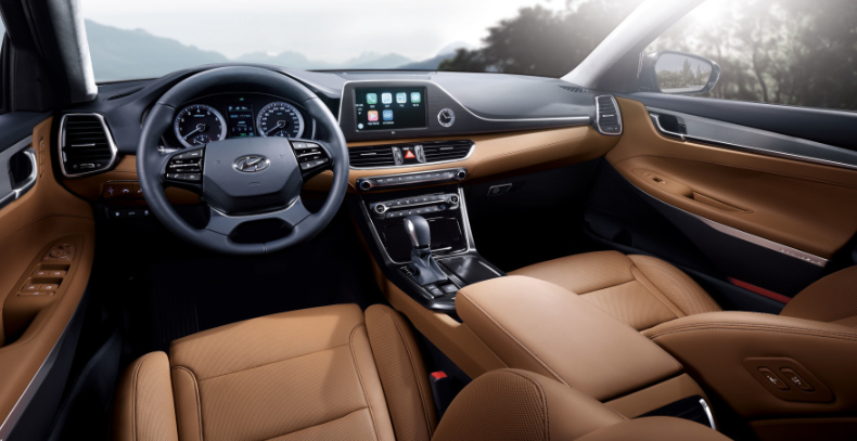 2019 Hyundai Azera Limited interior
