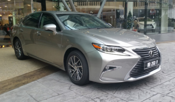 2020 Lexus ES 250 Sedan new